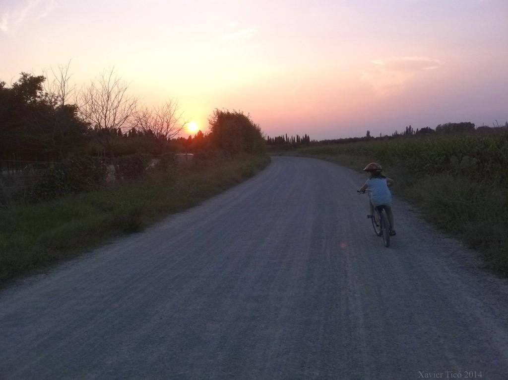 En bici al capvespre